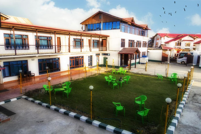 Hotel Luxury Inn, Srinagar